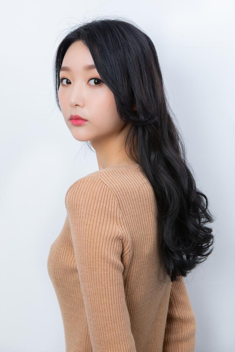 大人可愛いピーチ韓国メイク_17.jpg
